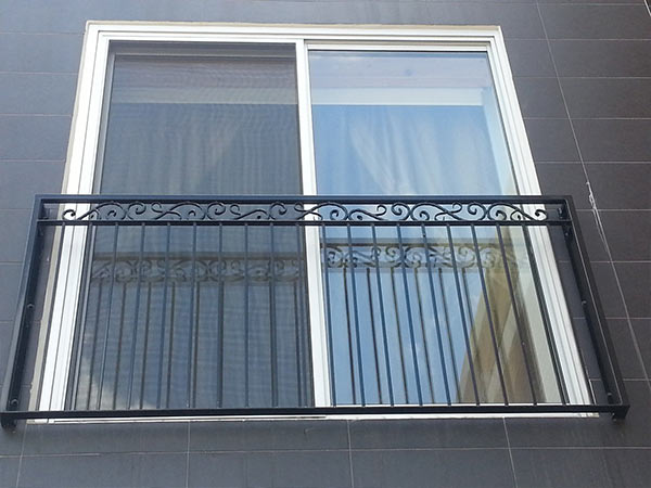 Costo Parapetti in ferro per balconi Bologna